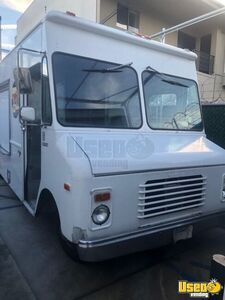 20' Chevy Grumman Olson Step Van Kitchen Food Truck/Mobile Food Unit for Sale in California!