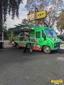 2000 Workhorse 30' Food Truck / Ready to Use Mobile Kitchen for Sale in California!!!