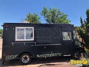 Well-Maintained Turnkey 20' GMC P3500 Food Truck w/ 2017 Kitchen for Sale in Colorado!