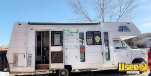 Kitchen on Wheels/Clean & Spacious Mobile Kitchen Food Truck for Sale in Colorado!
