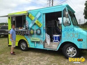 1998 Chevy P30 Mobile Kitchen Street Food Truck for Sale in Colorado!!!