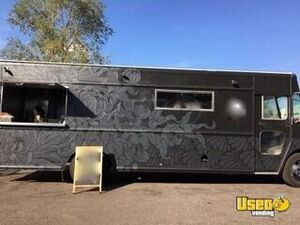 Awesome 22' Diesel International Step Van Kitchen Food Truck/Mobile Kitchen for Sale in Colorado!