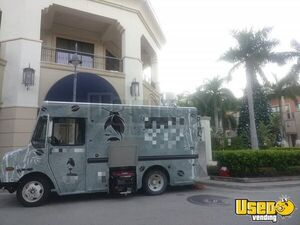 2005 Chevy Workhorse Food Truck Mobile Kitchen for Sale in Florida!!!