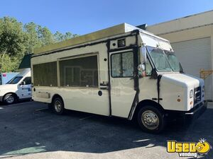 Ready for Service 2013 22' Ford F-50 Food Truck / Loaded Mobile Kitchen Unit for Sale in Florida!