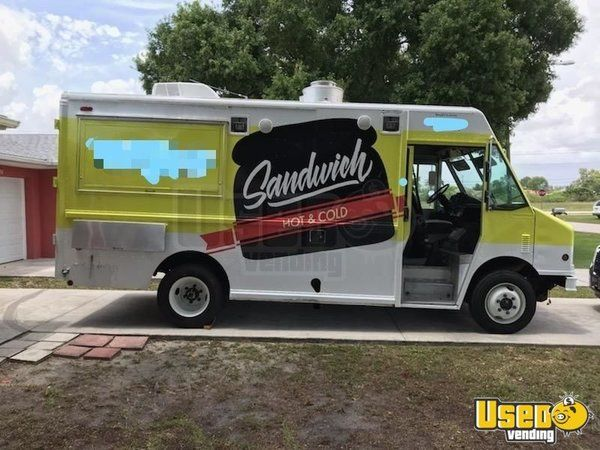 2000 Freightliner Turnkey Mobile Kitchen Food Truck for Sale in Florida!!!
