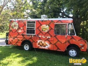 Multi-Purpose Chevrolet P30 Step Van Kitchen Food Truck w/ Pro Fire Suppression for Sale in Florida!
