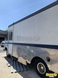 2005 Chevy Used Food Truck Mobile Kitchen for Sale in Florida!!!
