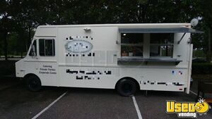 Chevy P30 Turnkey Mobile Kitchen Food Truck for Sale in Florida!!!