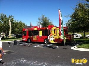 Great 2000 Diesel Gillig Low Floor Mobile Kitchen Bus/Fully Loaded Food Truck for Sale in Florida!
