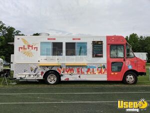 Loaded 25' 2004 Diesel Chevy P42 Step Van Food Truck with Professional Kitchen for Sale in Illinois!