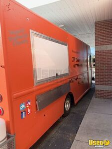 Barely Used 2004 28' Workhorse P42 Mobile Food Unit w/ a 2018 Kitchen Build-Out for Sale in Indiana!