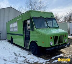 All Electric 2009 - 28' Morgan Olson Workhorse Step Van Food Truck for Sale in Indiana!