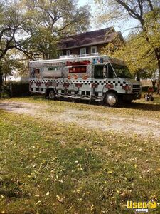 2004 - 18' Freightliner MT-45 Diesel Kitchen Food Truck w/ Low Mileage Engine for Sale in Iowa!