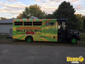 26' International Food Truck for Sale in Kansas!!!