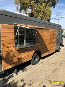 Lightly Used Chevrolet P30 Food Truck/Kitchen on Wheels in Excellent Condition for Sale in Kentucky!