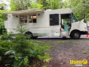 2002 Mobile Kitchen Used Chevy Food Truck for Sale in Maine!!!