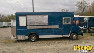 23' Chevy Food Truck Mobile Kitchen for Sale in Maryland!!!