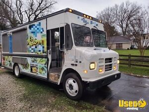 Barely Used 2003 ICC Diesel Step Van Mobile Kitchen Food Truck for Sale in Maryland!