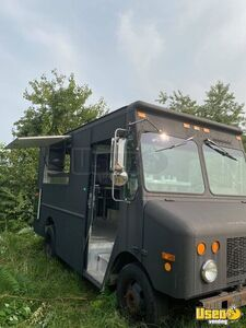 2002 GMC Diesel Food Truck with BRAND NEW Unused Kitchen for Sale in Maryland!!!