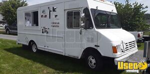 25' Chevrolet P-30 Step Van Mobile Kitchen Food Truck for Sale in Maryland!!