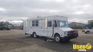 GMC Mobile Kitchen Food Truck for Sale in Mississippi!!!