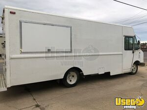 Never Used 2003 MT45 Workhorse Food Truck with 2019 Professional Kitchen for Sale in Missouri!