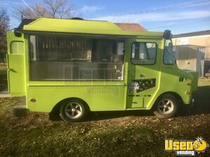 Clean & Compact 17.5' Chevy P10 Kurbmaster Food Truck w/ Pro Fire Suppression for Sale in Montana!