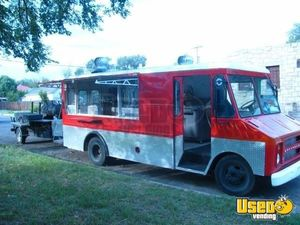 Chevy Food Truck with Pull Behind BBQ Smoker Trailer for Sale in New Mexico!!!