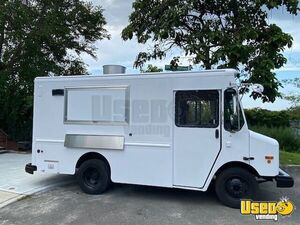 2003 14' Workhorse P42 Diesel Food Truck with 2021 Kitchen for Sale in New York!