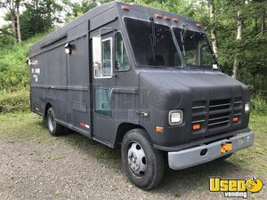 35' International Mobile Kitchen Food Truck with Trailer for Sale in New York!!!