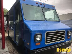 GMC P35 Mobile Kitchen Food Truck w/ Commercial Equipment for Sale in New York!!!