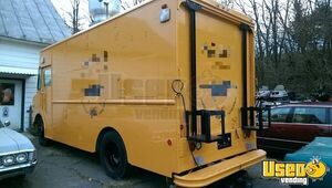 Grumman International 25' Diesel Step Van Kitchen Food Truck for Sale in New York!