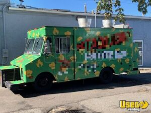 18' Chevrolet Grumman P30 Diesel Food Truck / Used Mobile Kitchen for Sale in New York!