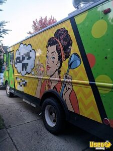 22' P30 Grumman Eye-Catching Mobile Kitchen Food Truck for Sale in New York!!!