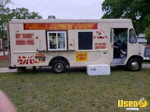 Chevy P30 Used Mobile Kitchen Food Truck for Sale in North Carolina!!!