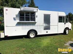 Freightliner MT45 Diesel Food Truck / Mobile Kitchen for Sale in North Carolina!