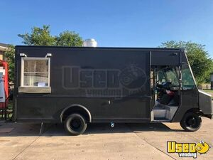 2008 Ford 350 Econoline Stepvan Kitchen Food Truck/Used Mobile Food Unit for Sale in Ohio!