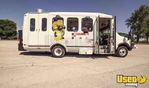 Clean and Loaded 2005 Ford E450 All-Purpose Food Truck/Mobile Food Unit for Sale in Ohio!