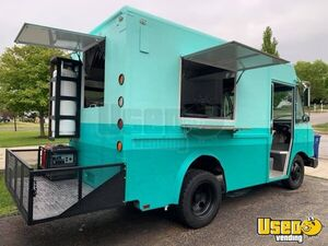 Low Mileage GMC Diesel Step Van Food Truck with a Commercial Kitchen for Sale in Ohio!!
