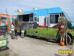 2015 Mobile Kitchen Food Truck with Corn Roaster for Sale in Ontario!!!
