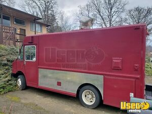 Lightly Used 22' Freightliner MT45 Diesel Step Van Mobile Kitchen Food Truck for Sale in Oregon!