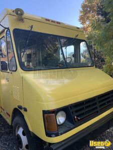 2003 - 24' Chevrolet P30 Food Truck / Ready to Work Mobile Kitchen for Sale in Pennsylvania!!!