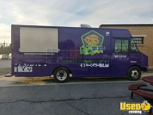 2006 - 26' Chevrolet Workhorse Mobile Kitchen Food Truck for Sale in Pennsylvania!!