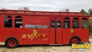 34' Timeless Transit P30  Vintage Trolley Style Bakery / Food Truck for Sale in South Carolina!!!