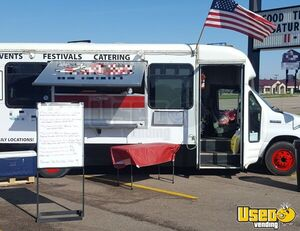2006 Ford Econoline Bus Food Truck Mobile Kitchen for Sale in South Dakota!!