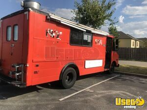 Used Chevrolet P30 5.7L Food Truck/Mobile Food Unit in Great Working Order for Sale in Tennessee!