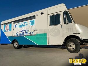 Recently Renovated 2003 Chevrolet P42 Workhorse Mobile Kitchen Food Truck for Sale in Texas!!!