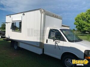 2004 Chevy Food Truck for Sale in Texas- Freshly Built Kitchen!!!