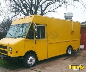 Freightliner CCMT45 Diesel Food Truck/Kitchen on Wheels with Commercial Equipment for Sale in Texas!