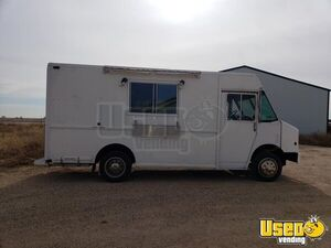 Diesel Freightliner Utilimaster Step Van Food Truck w/ Full Professional Kitchen for Sale in Texas!